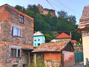 Modry kamen 300x225 - Hont a Novohrad- 10 miest, ktoré by ste mali vidieť